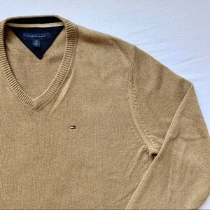 Men's Tommy Hilfiger Taupe V-Neck Sweater